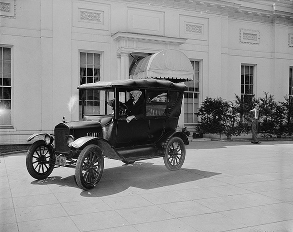Model_T_at_White_House.png